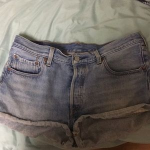 High waisted medium washed Levi's shorts